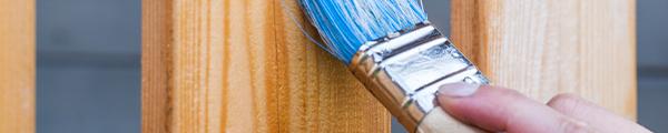 Zaun wird gestrichen